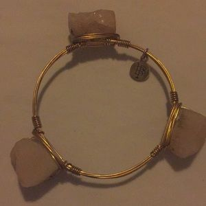 Light Pink Stone BowTie Bracelet ‼️🔥